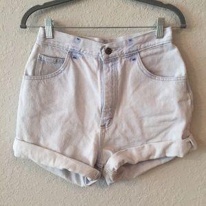 90s Vintage Lee High-Waisted Light Wash Mom Shorts